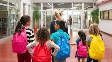 Mochila escolar: cómo evitar problemas lumbares en la vuelta al cole